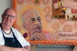 Australasia Communications Director Paints Bhagavad-gita Art Exhibition