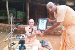 ISKCON Devotee Achieves World Record by Reciting all 700 Verses of Bhagavad-gita From Memory in 73 Minutes