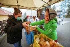 "Food For Life Hungary's ""Christmas Love Feast"" Feeds Thousands This Holiday Season"