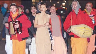 New York Times Style Magazine Features Devotees Chanting