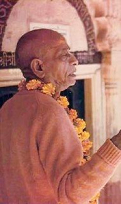 Srila Prabhupada In Vrindavan 1925-1977 (video)
