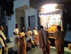 Sankirtan and service continue despite global pandemic