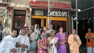 Second Generation Kirtan Leaders Commit to Initiation Vows