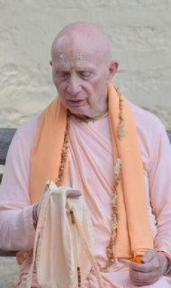 Prabhupada Memoirs with HH Chandramuli Swami (video)