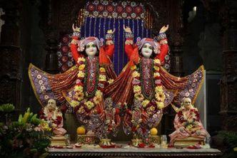 Srila Prabhupada on Deity worship by Vaishnavis