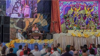 Thousands Cultivate Service Mood at Ukraine's Bhakti Sangam Festival